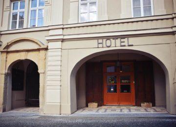 Hotel vstup